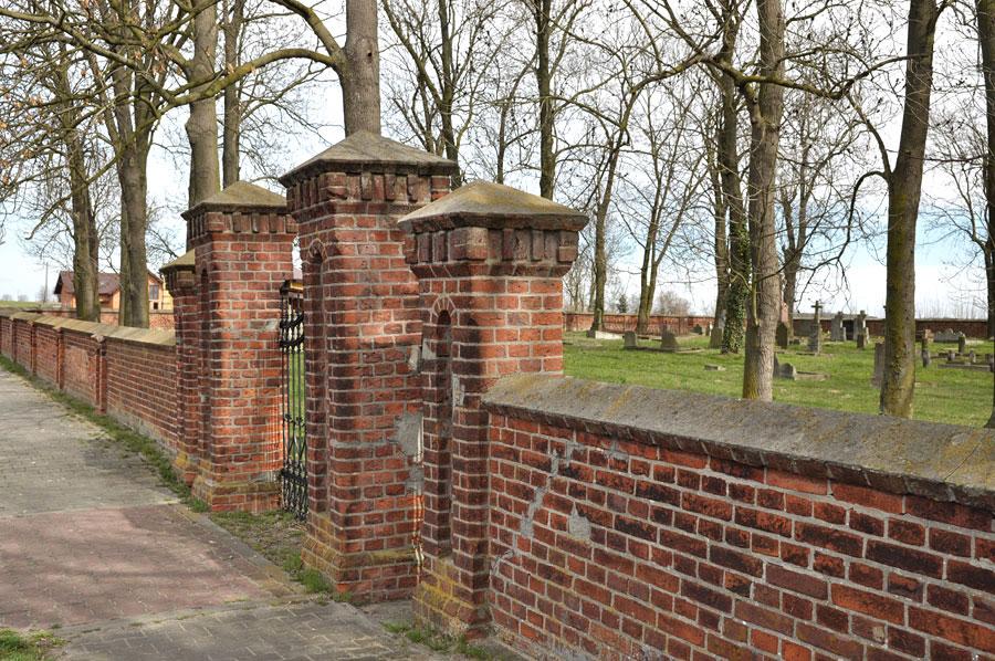 Cmentarz ewangelicko-augsburski w Dąbiu