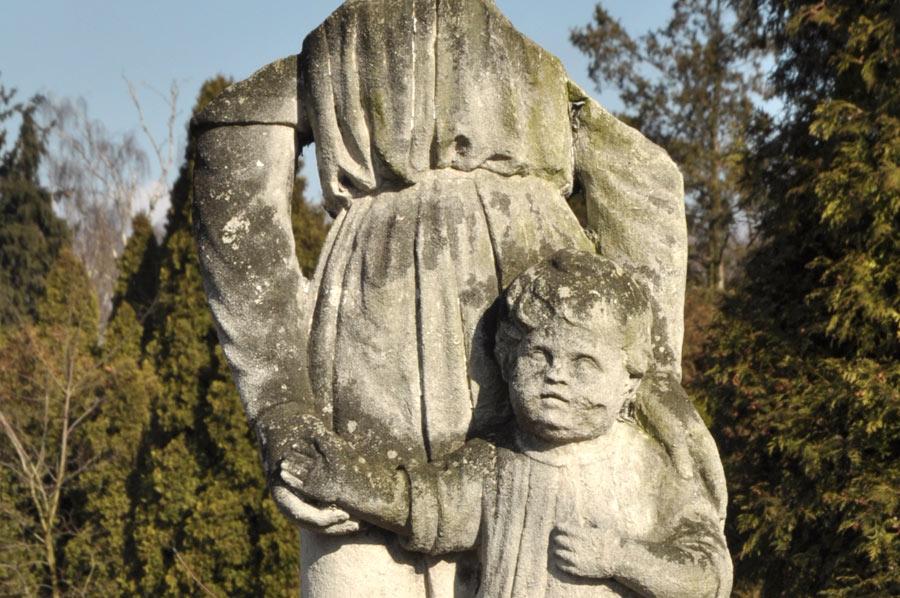 Cmentarz wielowyznaniowy w Łasku