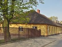 Budynek dawnej szkoły elementarnej w Zgierzu