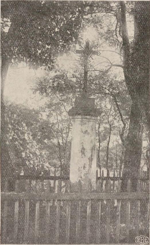 Kapliczka po kościele w Rudzie Bugaj
